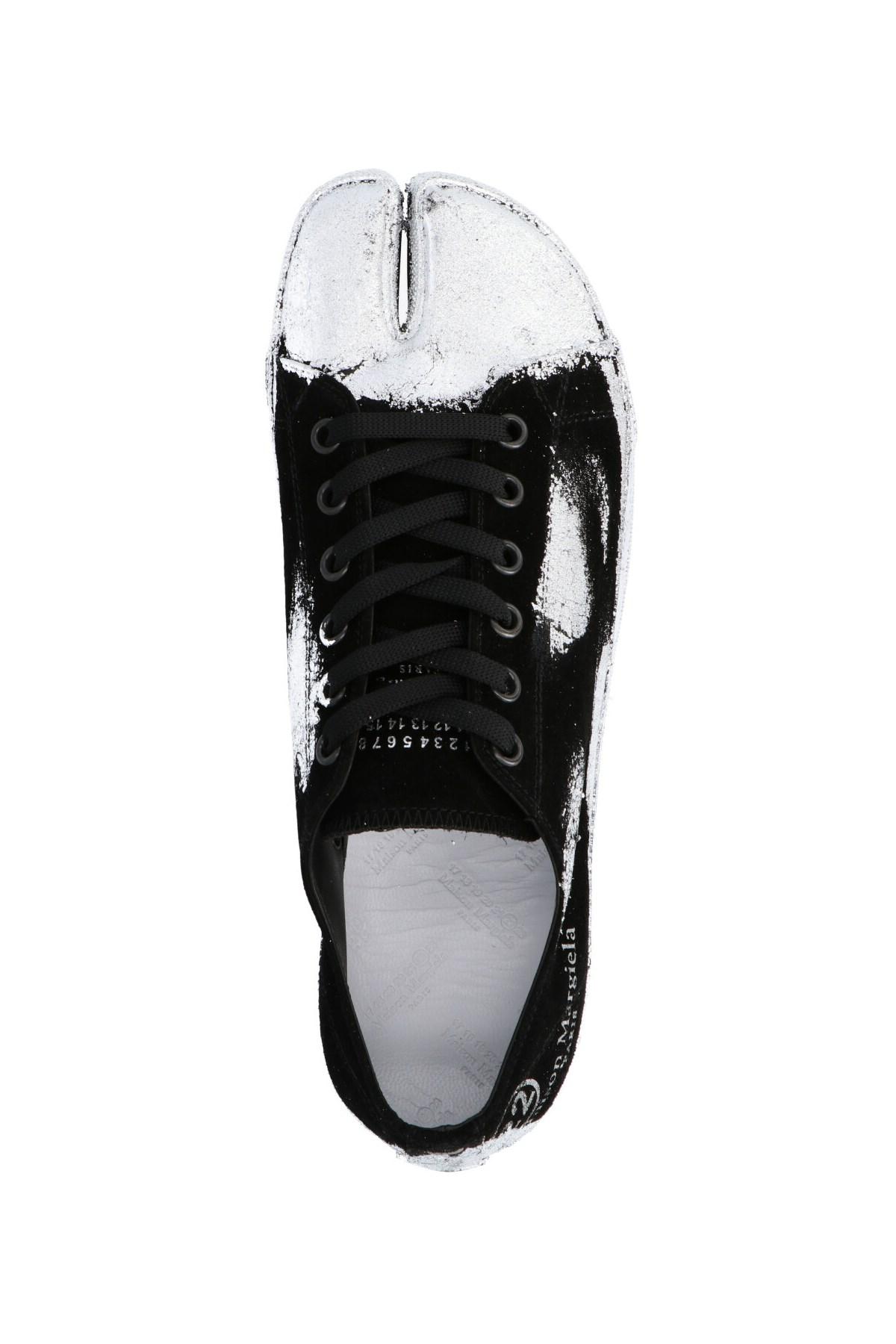 tabi sneakers