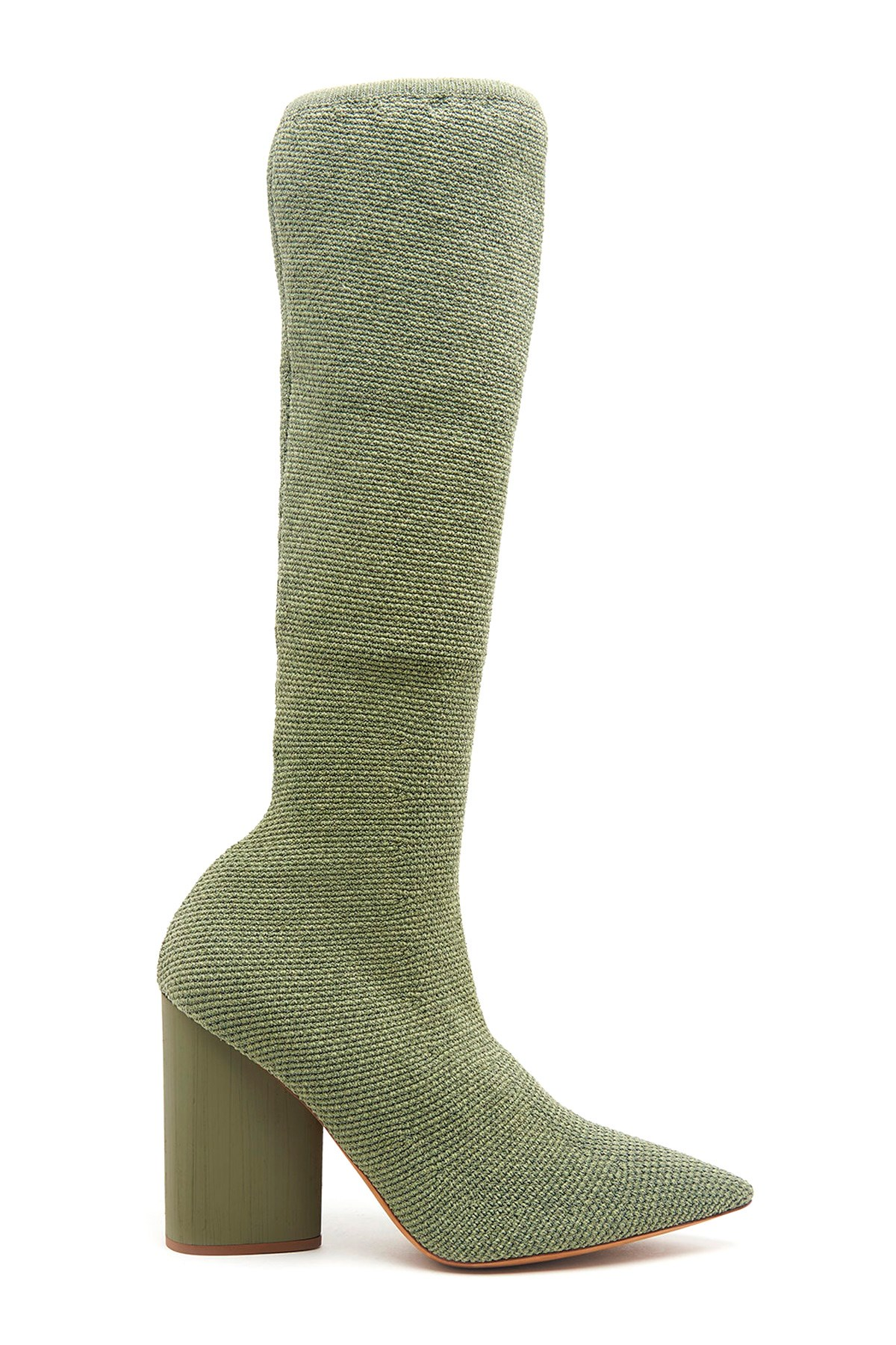 6e6abcb953 yeezy stretch boots available on julian-fashion.com - 55023