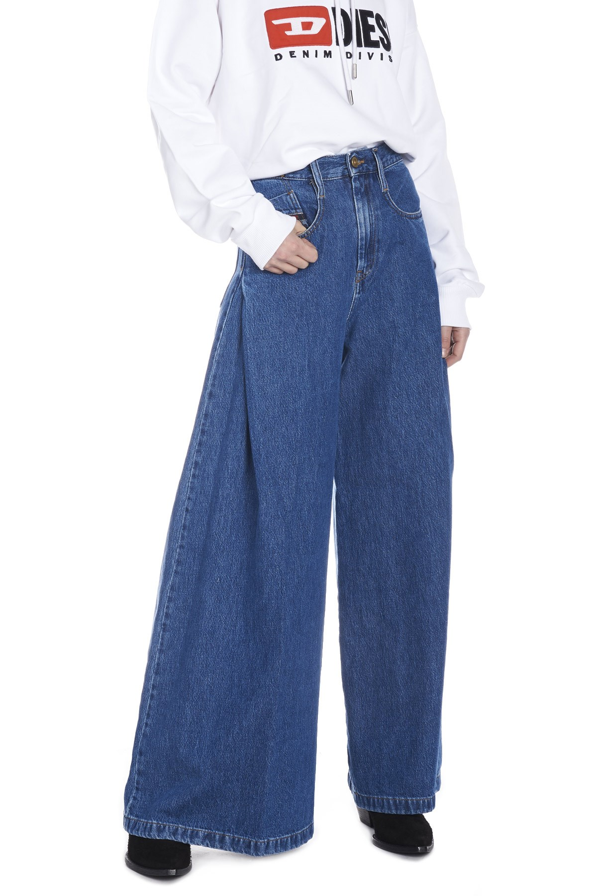 7273f17b diesel 'D-izzier' jeans available on julian-fashion.com - 61110