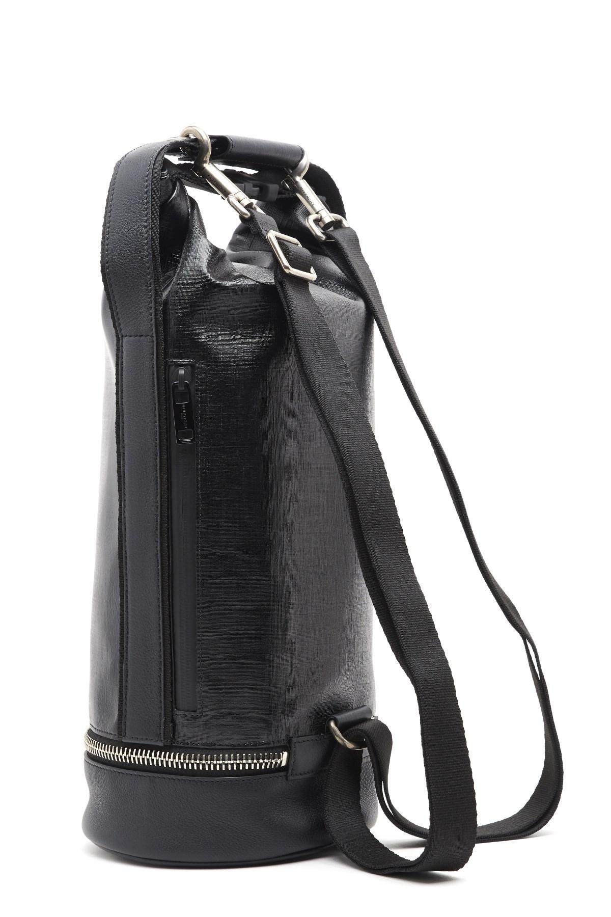22a132693601 givenchy  Jaw  crossbody bag available on julian-fashion.com - 62180