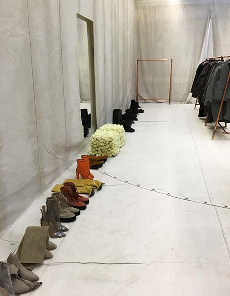 e5ce4025ae68f Live from the Yeezy Season 3 showroom. Stay tuned for any news!!!
